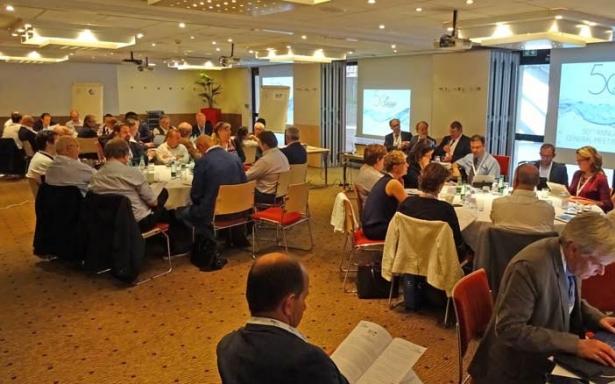 Letošní zasedání Evropské federace chovatelů ryb (FEAP) se zabývalo dovozem ryb ze třetích zemí a dodržováním standardů welfare u ryb